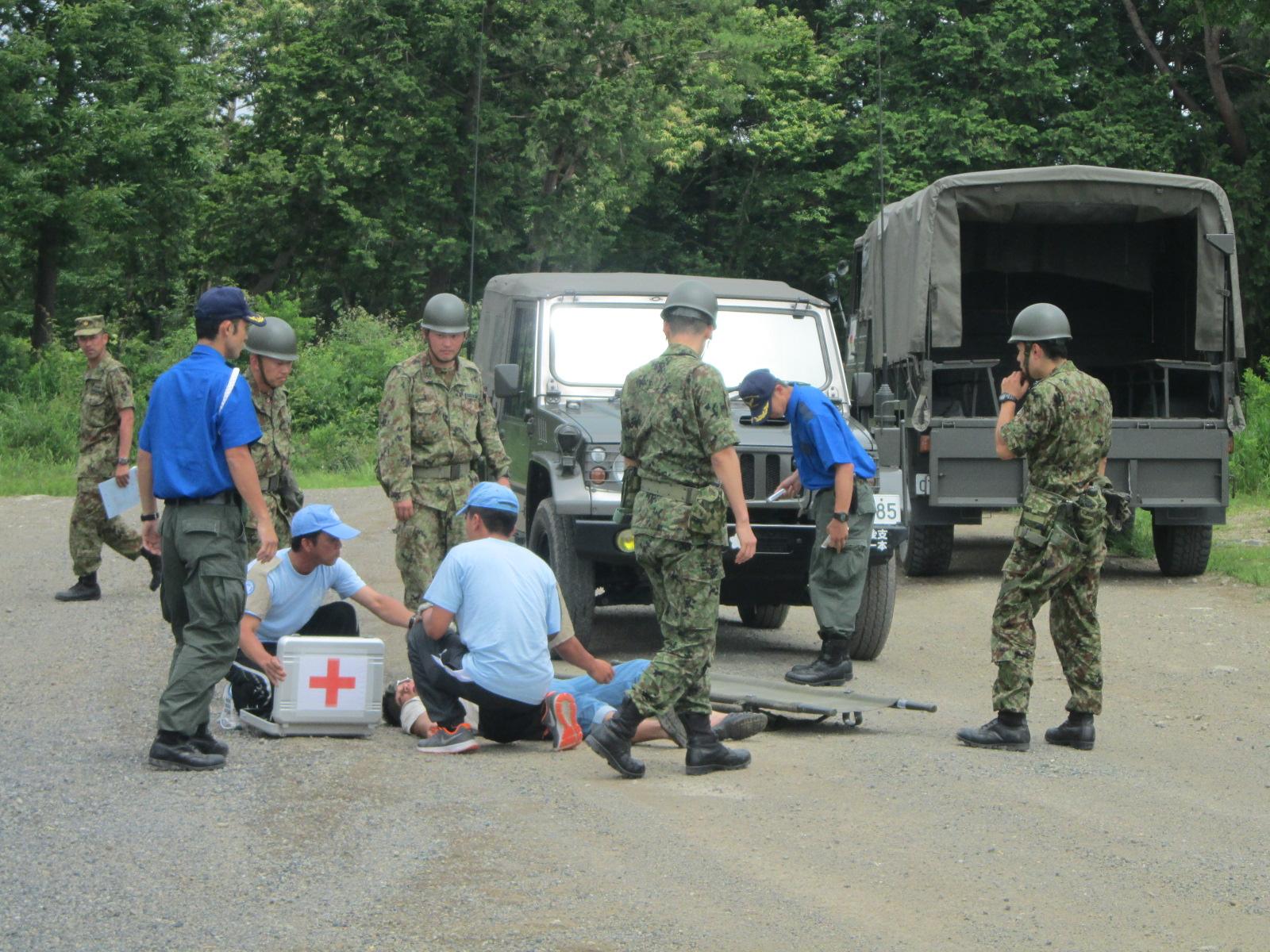 派遣先での隊員の交通事故を想定した対応訓練.JPG